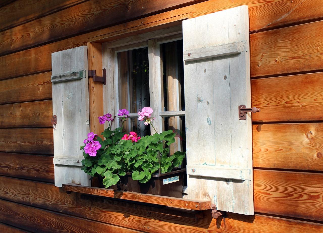 Comment entretenir les menuiseries d'une fenêtre ?